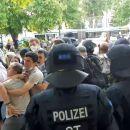"""Die deutsche Polizei griff am Freitag, den 18. Juni in Magdeburg die """"Solidaritätskundgebung mit politischen Gefangenen""""an."""